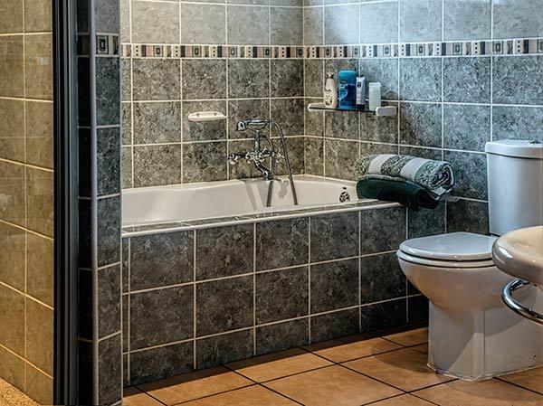 Pintura para azulejos de baño, colores y precios - Pintura-para.com