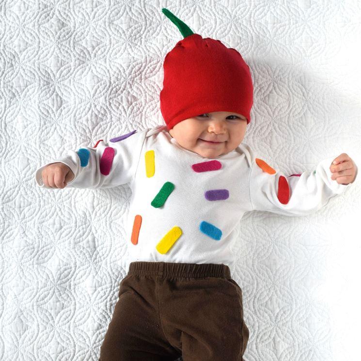 Disfraz de carnaval de bricolaje de sushi para bebés.