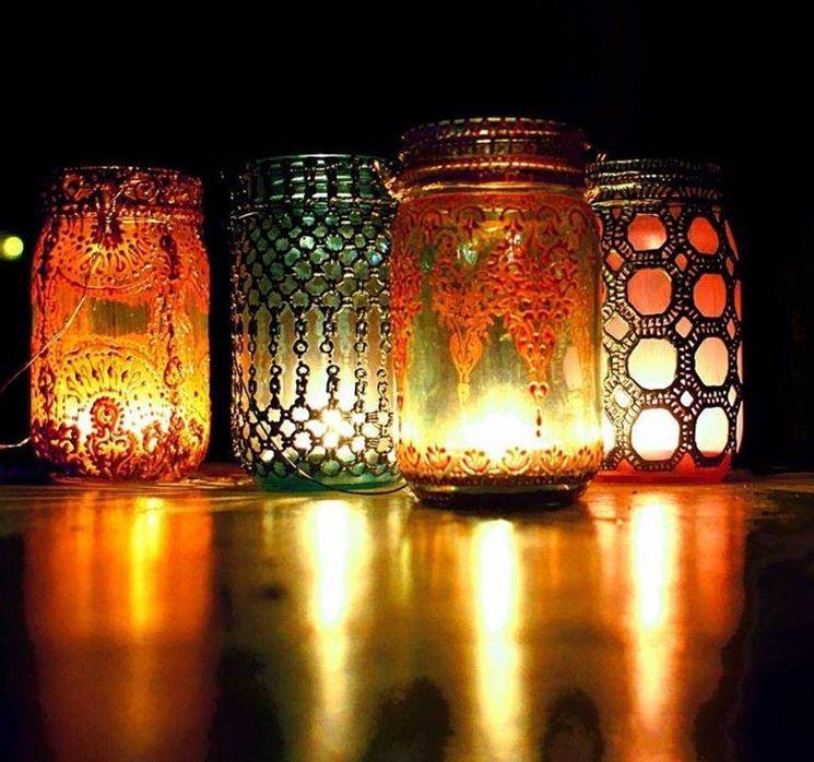 velas en frascos de colores