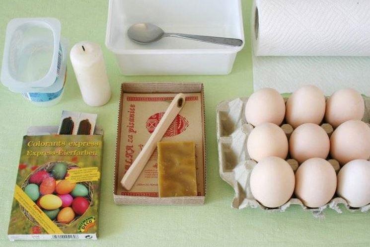Hacer huevos de Pascua pintados