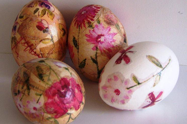 Hacer huevos de Pascua en decoupage