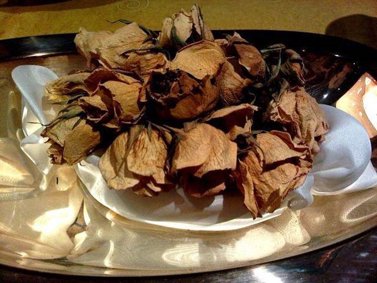 Hacer flores secas: prensado
